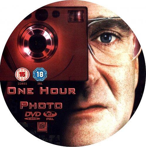 Фото за час / One hour photo / 2002