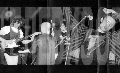 Телевизор - Живой (1994 Телевизор/М.Борзыкин; 2000 Caravan Records, Россия; Moon Records, Украина)